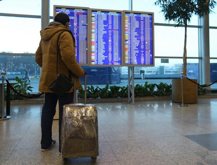 Эксперт считает: авиаперевозки возобновятся только в апреле 2021 года