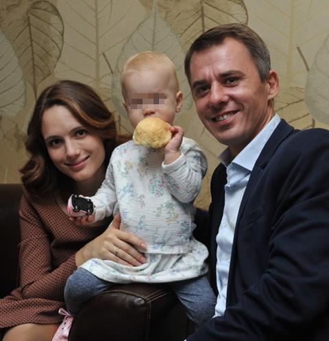 Игорь Петренко с женой Кристиной и дочерью Софией-Каролиной