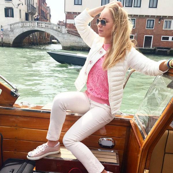 Александра отметила 15-летие в Венеции