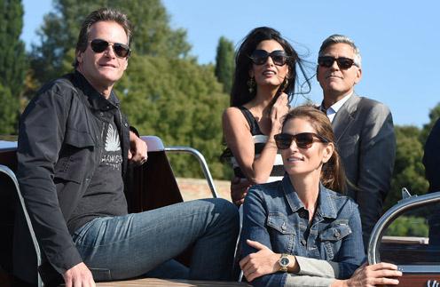 Рэнди Гербер с супругой Синди Кроуфорд (на переднем плане) и Джордж Клуни с Амаль Аламуддин