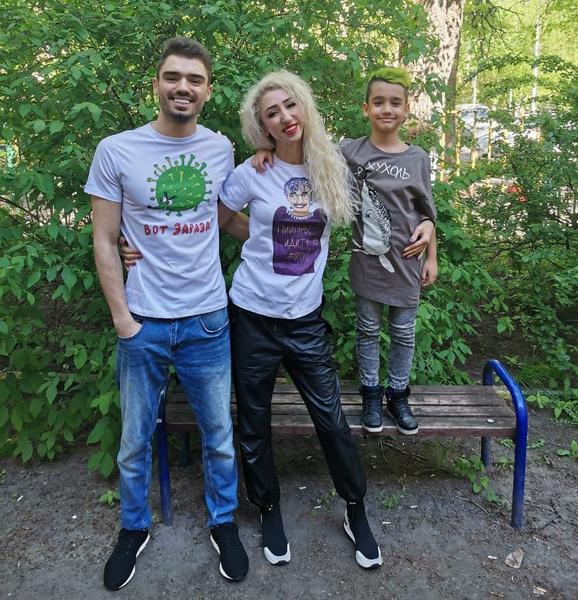 У Лилии два сына, один из которых уже взрослый