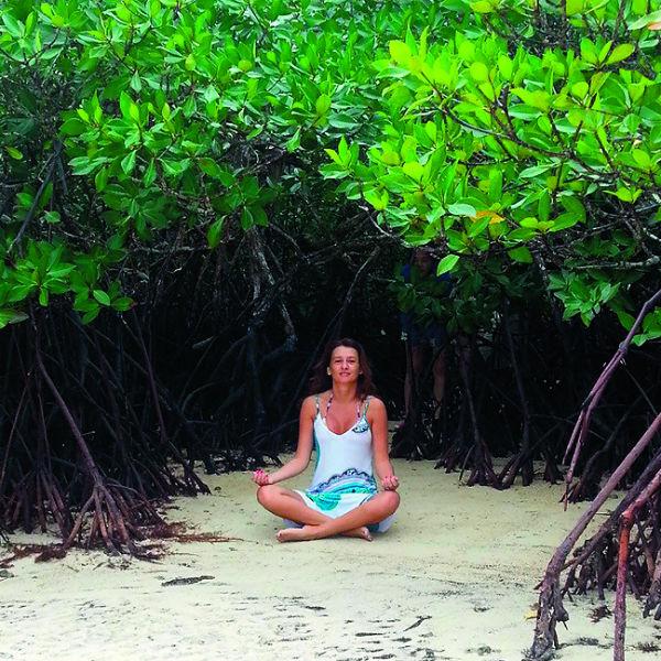 Шагнув на белый песок острова, Виола поняла - это то, что она так долго искала