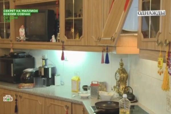 Илья Резник жалуется, что фасады кухни слетают с петель