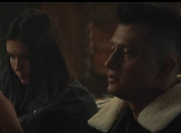 Павел Прилучный и Агата Муцениеце сыграли в клипе Мота на песню «Перекрестки»