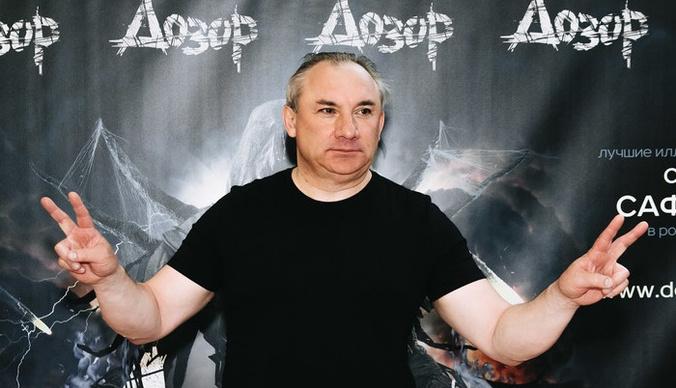 Николай Фоменко на премьере шоу «Дозор» искупал зрительницу в деньгах