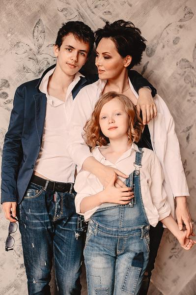 Актриса воспитывает 16-летнего сына Тимофея и 8-летнюю дочь Софью