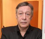 «Он собрался с силами, чтобы остаться в живых»: Михаил Ефремов отмечает день рождения за решеткой