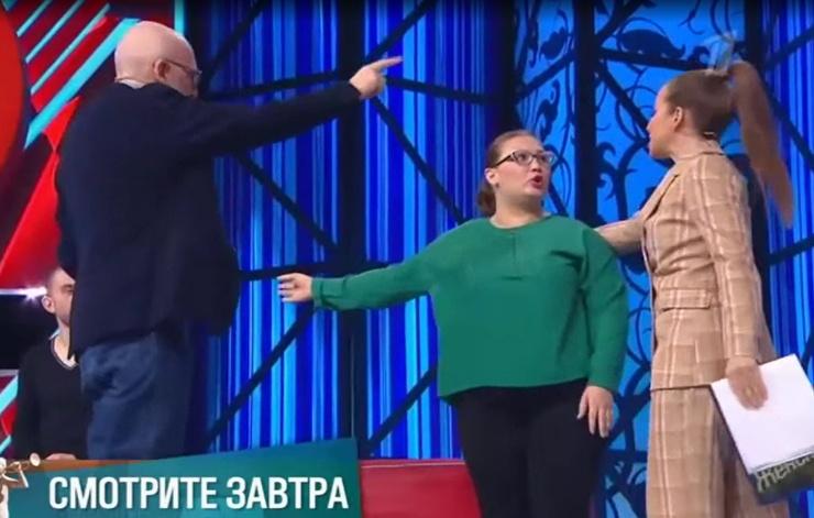 Гордон и Барановская удерживали горе-мать от побега