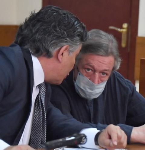 Суд над Михаилом Ефремовым 21 августа: прямая трансляция