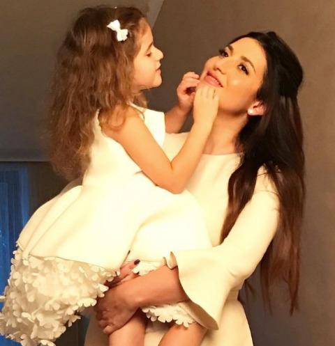 Жасмин отдаст дочь на воспитание Алле Пугачевой
