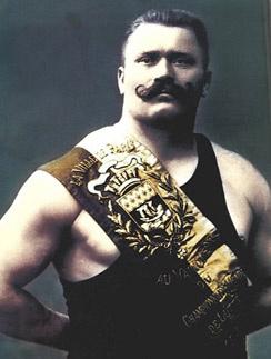 У Ивана Поддубного было несколько прозвищ, в том числе Чемпион Чемпионов и Русский Богатырь.