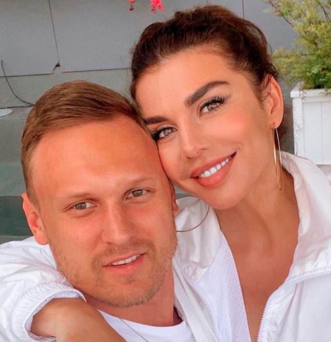 Муж Анны Седоковой заразился коронавирусом