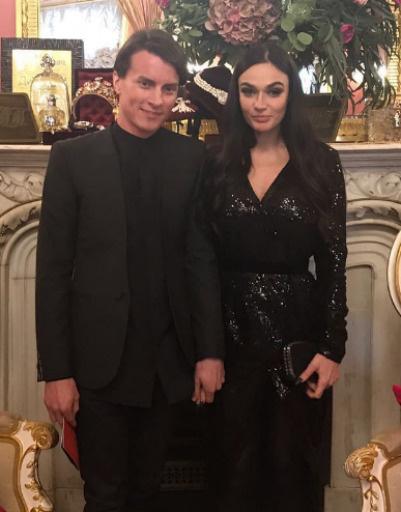 Алена Водонаева пришла с возлюбленным Алексеем Косинусом