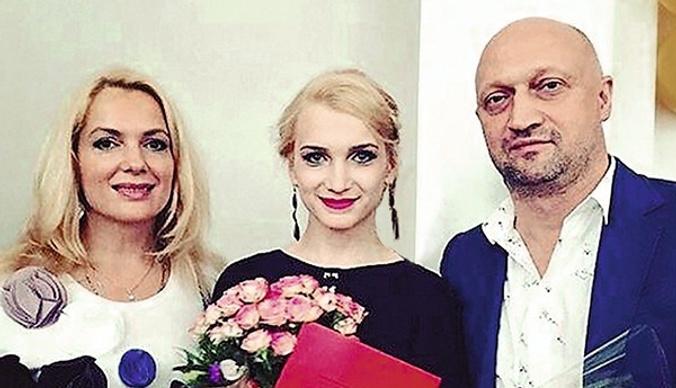 Дочь Марии Порошиной и Гоши Куценко закрутила роман с режиссером