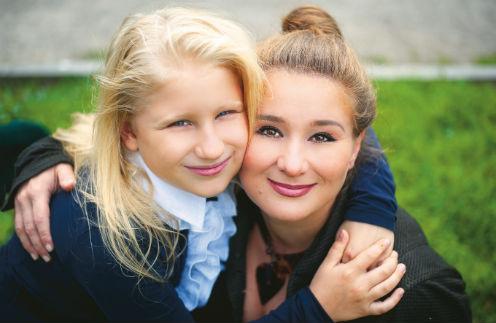Юлия Куварзина с дочкой Лизой