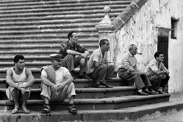 Элио Чиол «На ступенях собора», Амальфи, 1957