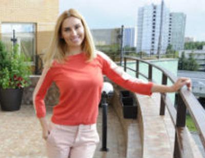 Ведущая Первого канала Диана Ходаковская показала роскошную квартиру