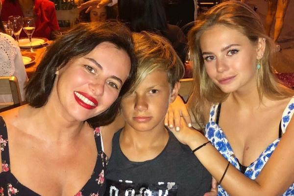 Оксана Лаврентьева растит двоих детей
