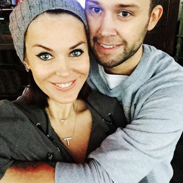 Муж певицы Слава Никитин помогал любимой на каждом этапе создания заведения