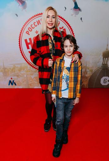 Фигуристка Анастасия Гребенкина с сыном