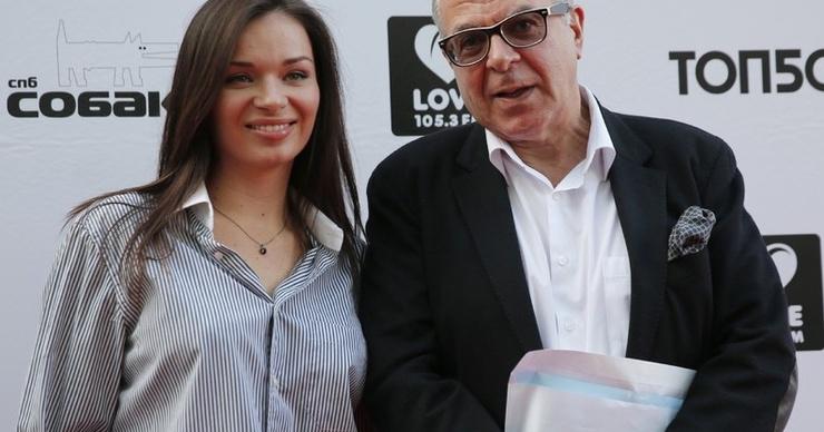 Андрей Ургант подтвердил расставание с молодой женой