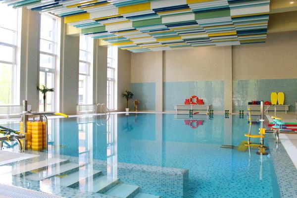 Палата класса «люкс» и бассейн: все о больнице, в которой Михаил Мишустин лечится от коронавируса