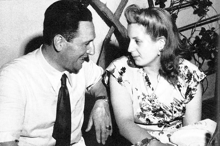 Рабочие считали любовь Эвы и Хуана Перона несокрушимой