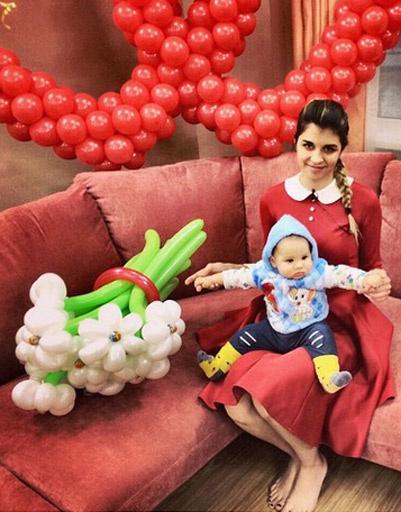 Алиана с сыном Робертом