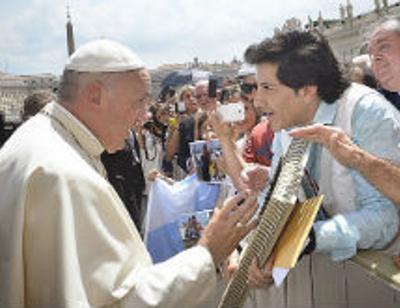 Авраам Руссо получил благословение Папы Римского