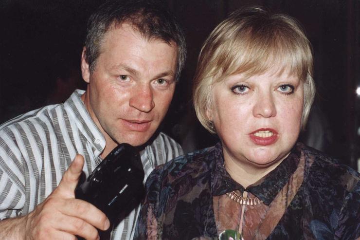 Александр Молодцов был рядом, когда Крючкова тяжело болела