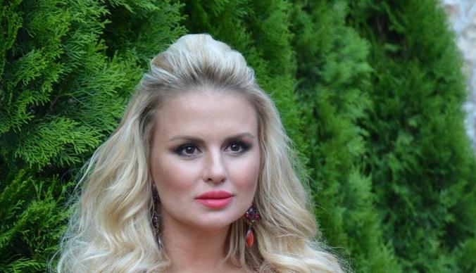 Анна Семенович закрутила роман с мужчиной на семь лет младше нее