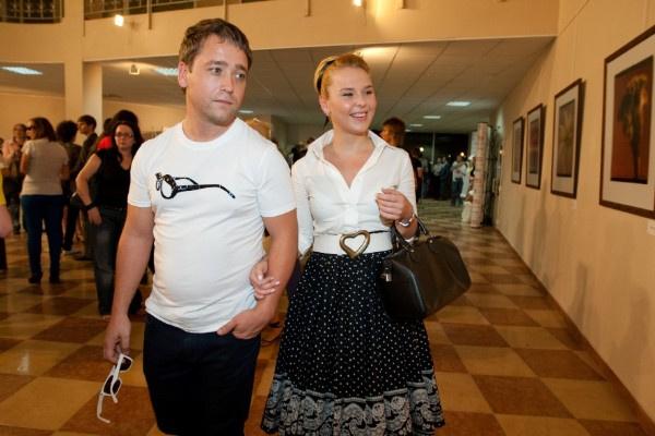 Первым супругом Пелагеи стал режиссер Comedy Club Дмитрий Ефимович