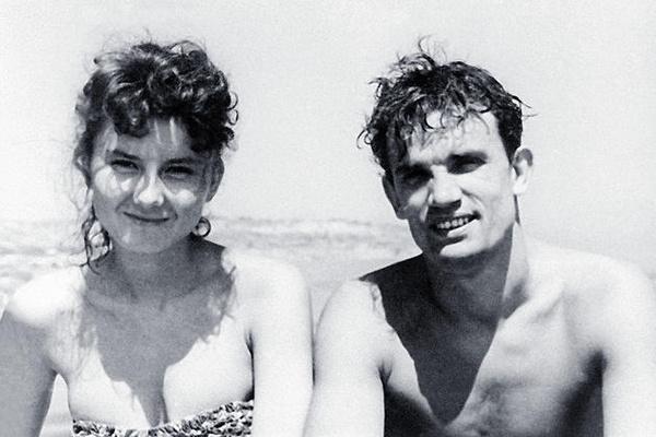 Почему Татьяна Лаврова, которую любили Евгений Урбанский, Олег Даль и Андрей Вознесенский, умерла в одиночестве