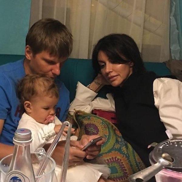 Общая дочь Есеня не помогла Алисе и Андрею сохранить брак