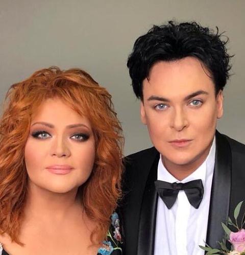 Юлиан с женой, певицей Анастасией