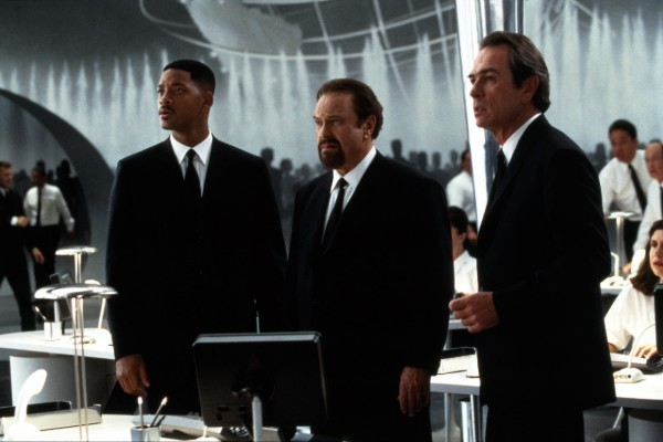 Рип Торн сыграл шефа агентства Зеда в фантастической комедии «Люди в черном»