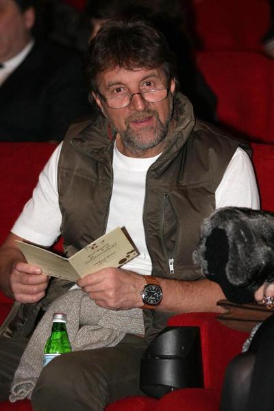 Актер не привык сидеть без дела