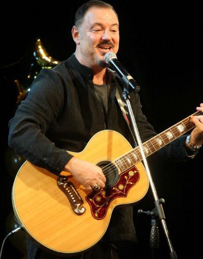 Максим Леонидов спел свои известные хиты для зрителей