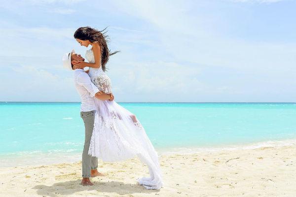 Вика и Антон поженились год назад