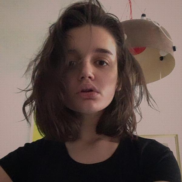 Александра учится в Ницце