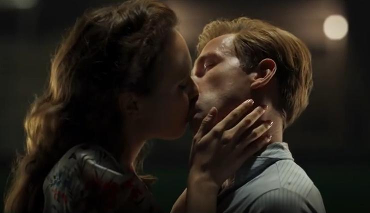 Страстный поцелуй двух звезд удивил поклонников