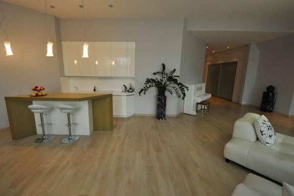 Архарова продает квартиру, чтобы купить новый дом