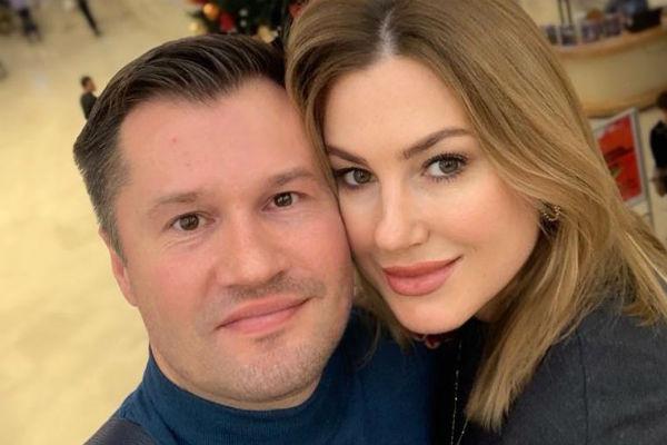 Жена Алексея поддерживала его, когда мама умерла