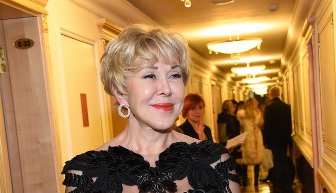 Дочь Любови Успенской покинула Россию после публичных разборок