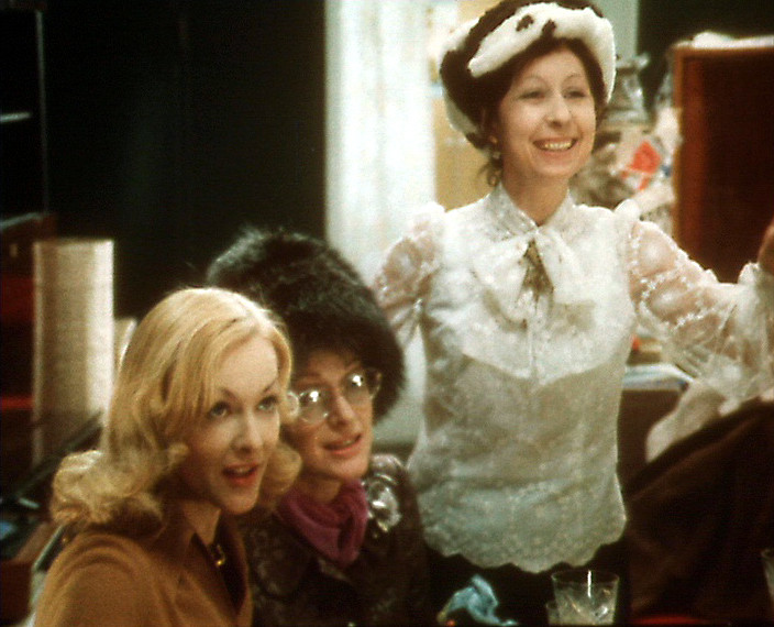 В фильме снялись многие звезды советского кино