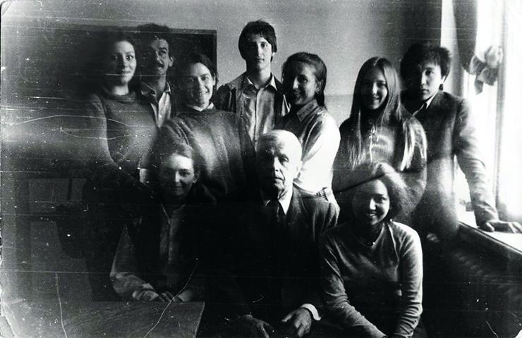 Николай Серебряков (верхний ряд, в центре) был первым бойфрендом Ренаты Литвиновой