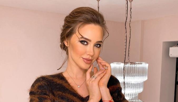 Анастасия Костенко прервала грудное вскармливание ради второй беременности