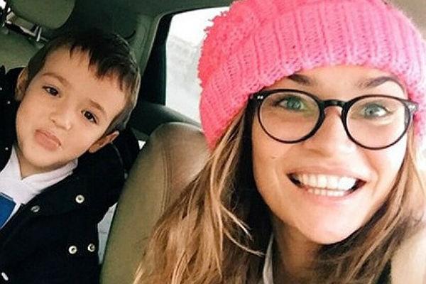 Алена Водонаева ограждает ребенка от социальных сетей