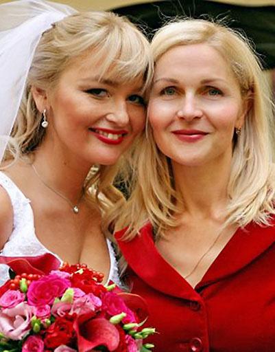 Ирина Собянина на свадьбе дочери