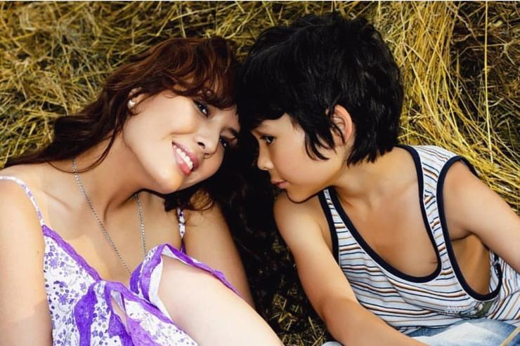 Линда с сыном Альрами